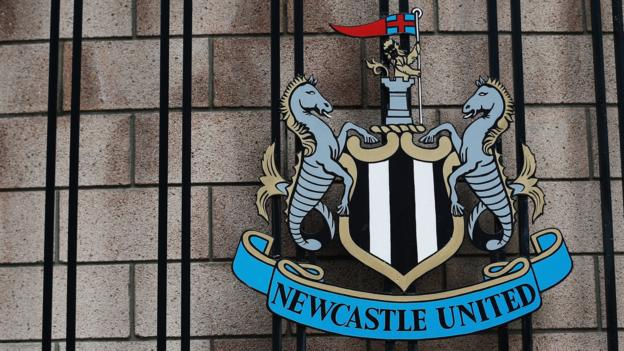 Newcastle United: Mike Ashley in talks to sell club to