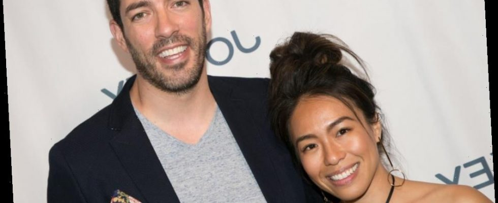 Check Out Property Brothers Star Drew Scott And Linda Phan S Outrageous Christmas Decorations A Real Life Gingerbread House Fashionbehindthescene